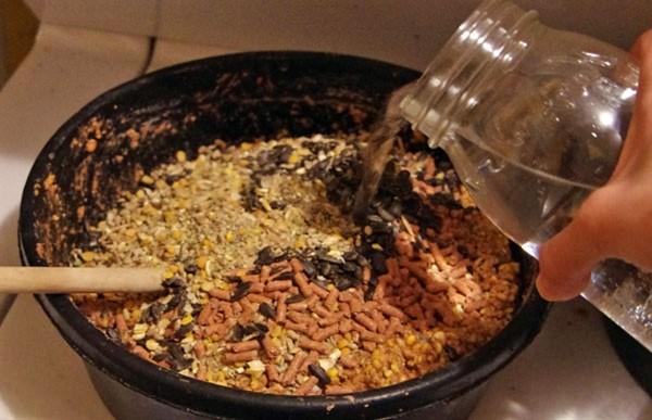 Приготовления корма для несушек