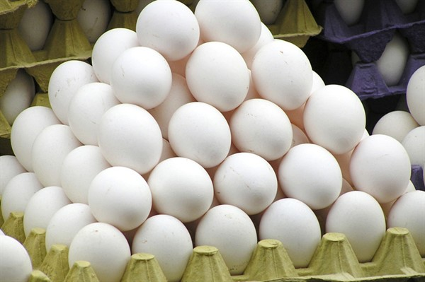 Куриные яйца и мясные изделия