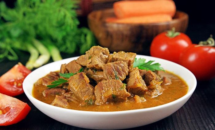 Мягкая говядина с соусом
