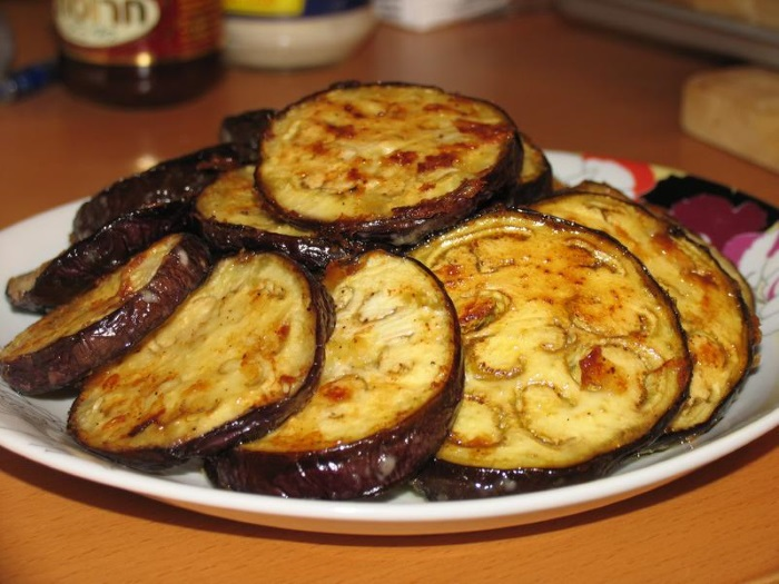 Лучшие рецепты вкусных и быстрых блюд на основе свежего баклажана
