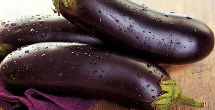 Полезными считаются баклажаны с кожурой очень тёмного цвета