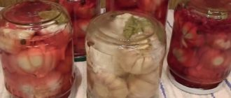Чеснок маринованный головками