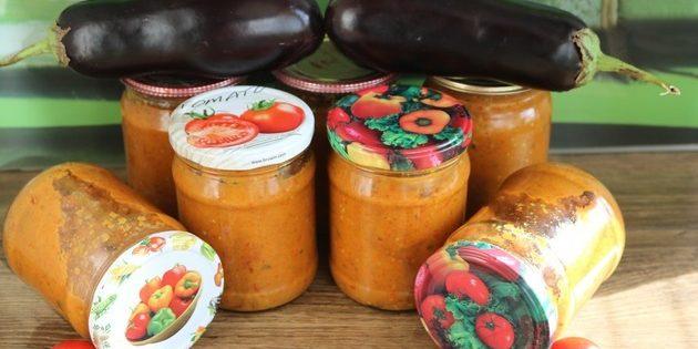 Икра из баклажанов: Икра из жареных баклажанов с помидорами, морковью и перцем