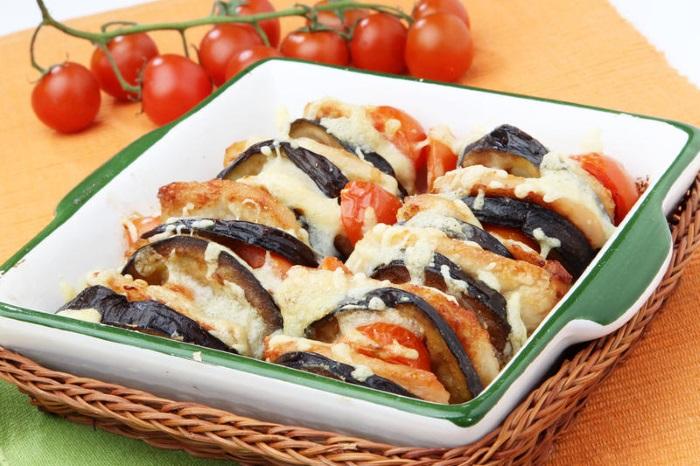 Баклажаны с помидорами