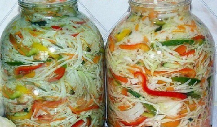Салат из свежей капусты на зиму в банках без варки