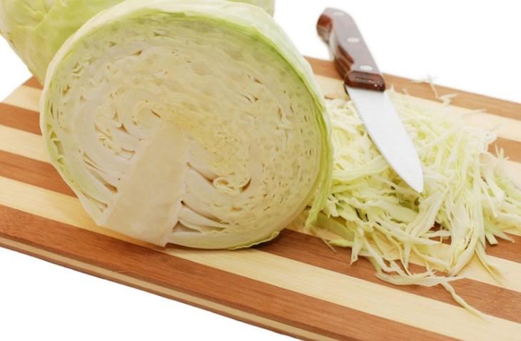 Квашеная, хрустящая и сочная капуста – рецепт классический