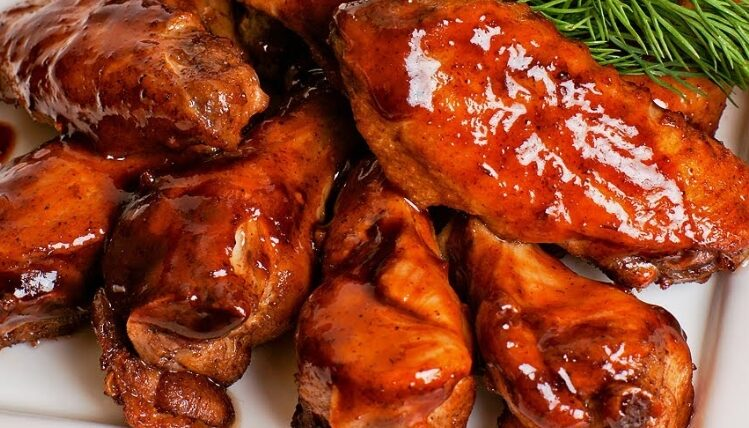 Куриные крылышки в духовке в соево-медовом соусе