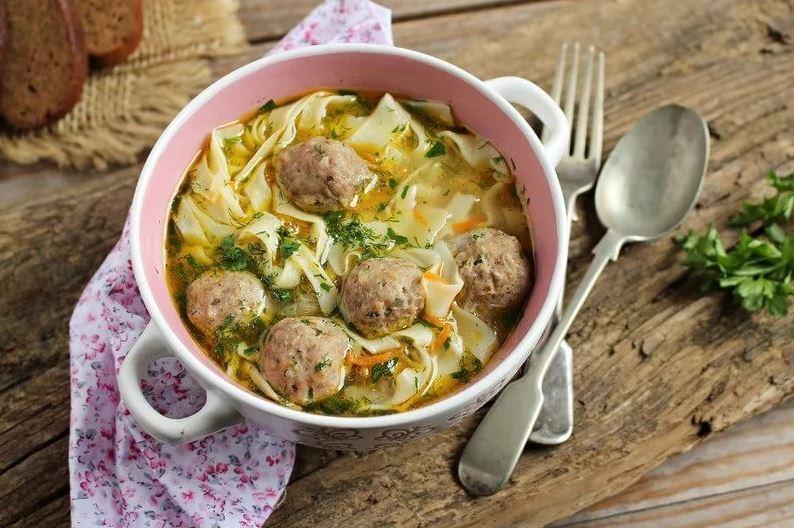 Рецепт приготовления вкусного супа с фрикадельками и лапшой