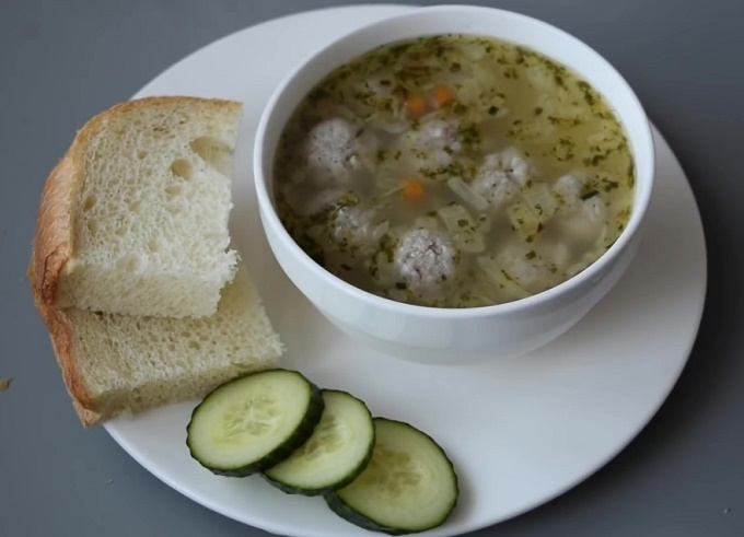 Описание: Суп с фрикадельками и вермишелью
