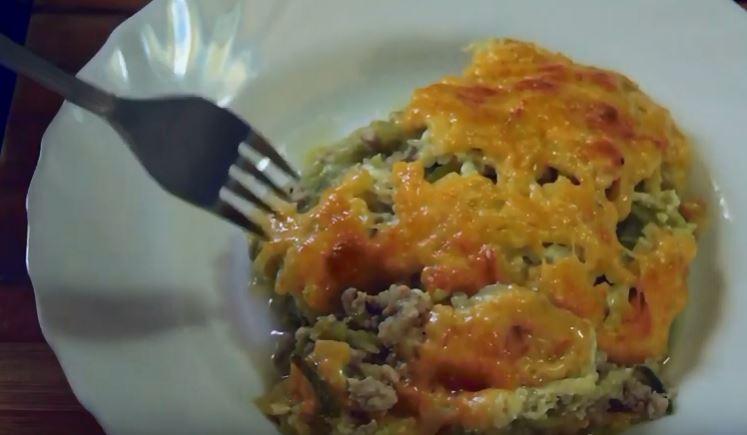 Картошка с фаршем в духовке под сыром со сметаной